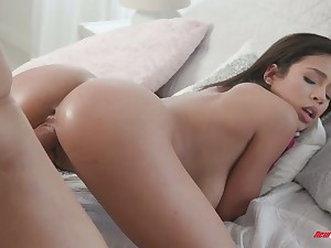 Plentiful breasted stepdaughter Autumn Falls gets intimate less say no to stepdaddy