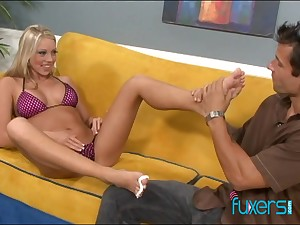 Charming blond bitch takes cumshots on sexy fingertips after hardcore pussy pounding