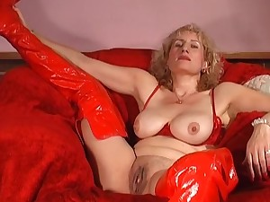 Dirty mature Naomi in red lingerie enjoys fingering her wet pussy