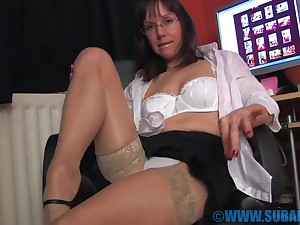 One of the things Cindy Reed loves is masturbating on the floor