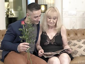 Blonde mature granny Nanney gets creampied overwrought a younger guy