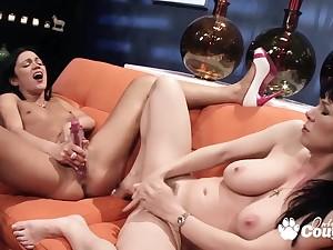 Alyssa Reece and Rayveness Lesbian Sex