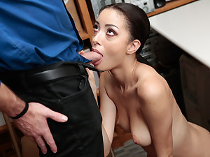 Scarlett Bloom gets pounded by Mall Office-holder
