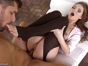 Foot amulet boyfriend cums on sexy limbs of seductive babe Shelley Bliss