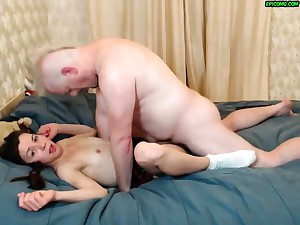Young hairy slip up on with daddy