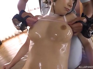 Sporty bombshell Japanese babe Sonoda Mion gets fucked after a massage