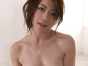 Pretty Japanese babe loves eating cum do research blowjob