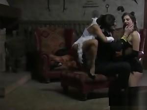 Sunrise Oliveira e Marika Ferrero, milf e teen amano il cazzo