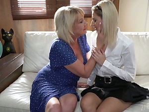 Svelte Hungarian chick Sarah Cute desires to rendered helpless mature pussy well