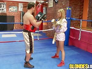 Knock Francesca Felucci Fucks Her Boxing Motor coach