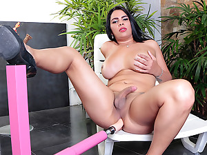 Big Tittied Hung TS Sabrina Sousa Puts a Fucking Machine to the Test