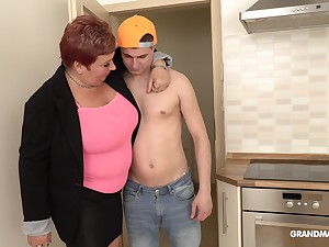 Bossy of age bitch is having sex fun with handsome franchise boy